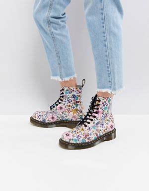 dr martens a fiori dr martens stivali di dr martens scarpe di dr martens