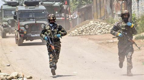 Pakistani shelling kills soldier in Kashmir, says Indian ...