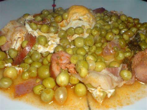 c 180 est une recette typique portugaise est fait avec du chorizo du bacon les pois et les oeufs