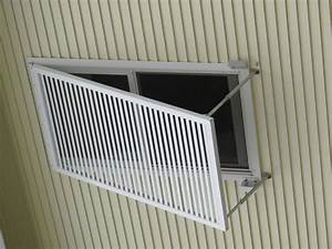 Keeping cool greenbuildingadvisorcom for Outdoor window shades