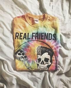 T-shirt: real, friends, yellow, skeleton, pizza, bones ...
