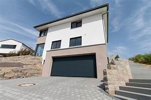 Garage Im Keller : haus mit garage ~ Markanthonyermac.com Haus und Dekorationen