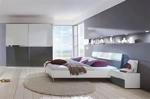 Schlafzimmer Weiß Grau : dreams4home schlafzimmerkombination 39 kyra ii 39 schrank bett 2 x nachtschrank schlafzimmer ~ Frokenaadalensverden.com Haus und Dekorationen