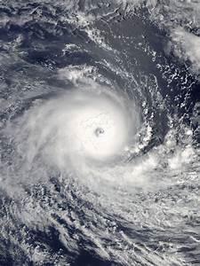 Cyclone Winston - Wikipedia  Hurricane