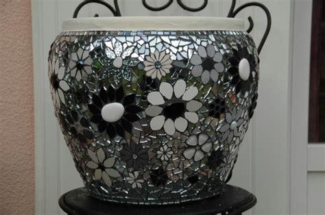 pot mosa 239 que fleuri d 233 clinaison en noir et blanc cr 233 ations mosa 239 que de sissilabenne n 176 32528