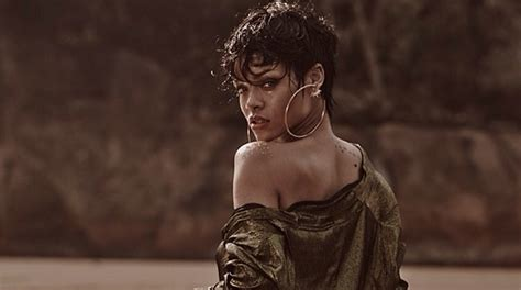 rihanna s nude photos removed from instagram but not twitter