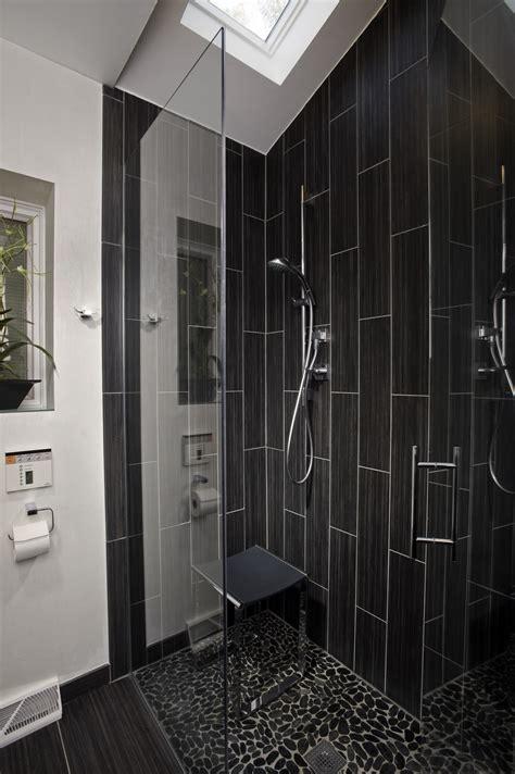 le shower ideas  black subway tile