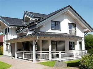 Amerikanische Holzhäuser Bauen : fertighaus mit veranda die sch nsten einrichtungsideen ~ Sanjose-hotels-ca.com Haus und Dekorationen