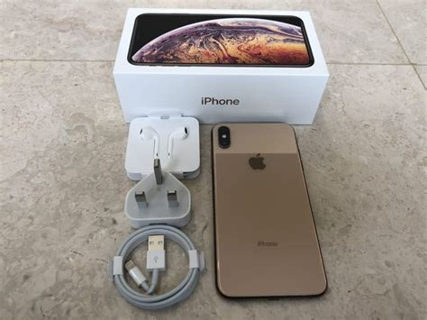 unboxing the stunning gold iphone xs max