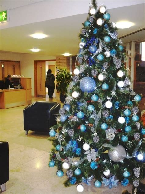 silver themed christmas tree 72 best blue and silver christmas theme images on pinterest merry christmas merry christmas
