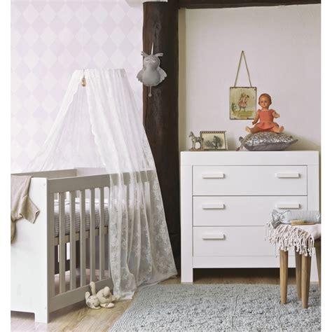 chambre bebe bois massif davaus chambre bebe bois avec des idées