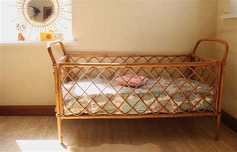chambre en rotin lit bébé ées 60 en rotin vintage chambre d 39 enfant de
