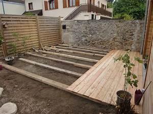 poser une terrasse en dalle bois sur terre battue of With terrasse en bois sur terre