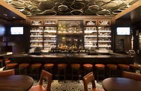 6 Sports Bar Interior Design Imagine These Bar Interior Design Hugo 39 S Frog Bar DMAC