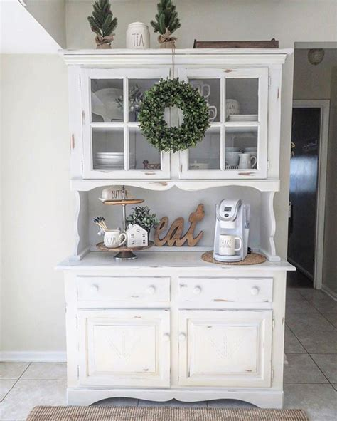 Decorating Ideas Kitchen Buffet by The 25 Best Hutch Decorating Ideas On China