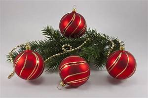 Weihnachtskugeln Aus Lauscha : 4 kugeln 8cm rot matt mit geschwungenem streifen gold ~ Orissabook.com Haus und Dekorationen