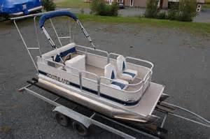 Electric Pontoon Boats