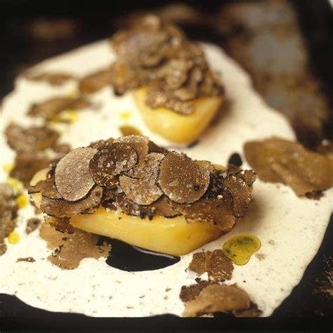 pommes de terre robe de chambre pomme de terre aux truffes cuites en robe des chs par