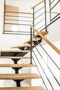 Rambarde d'escalier en acier, tige et bois
