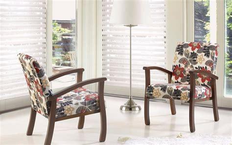Poltrona Barcelona Em Madeira : Poltrona Cadeira Decorativa Salvador Pés Em Madeira