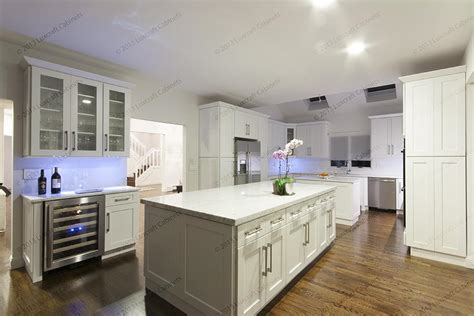 paint on kitchen cabinets forevermark cabinets uptown white forevermark cabinets 3953