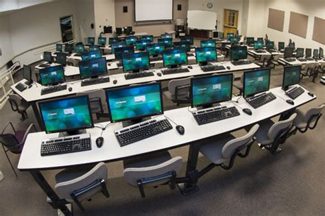 computer labs college  business facilities