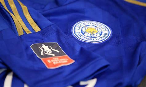 เบรนแดน ร็อดเจอร์ส ผู้จัดการทีมเลสเตอร์ ซิตี้ อัพเดทสภาพความฟิตของลูกทีมก่อนบุกเยือน เวสต์แฮม ยูไนเต็ด ที่ในเกมพรีเมียร์. Leicester City Football Club TH เลสเตอร์ ไร้ วาร์ดี้ บุก ...