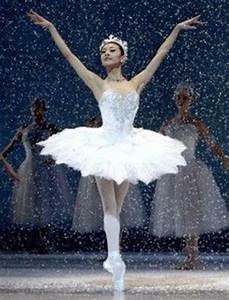 Snow Queen Ballet | Yuan Yuan Tan as the Snow Queen in ...