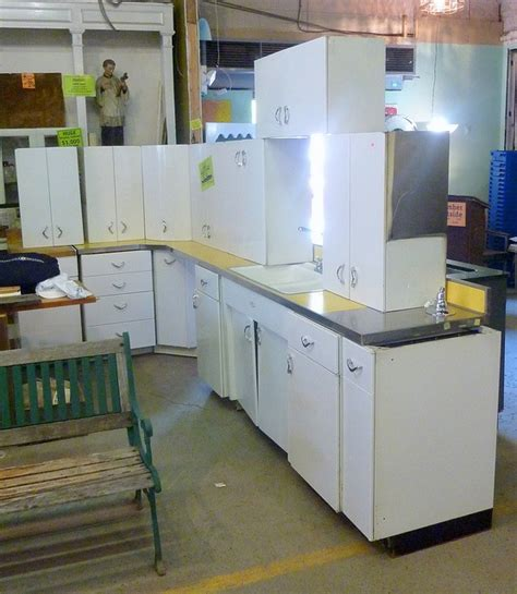 Vintage Youngstown Metal Kitchen Cabinets For Sale by 26 Best Youngstown Kitchen Images On Vintage