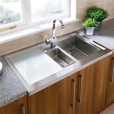 undermount stainless steel kitchen sink constructed