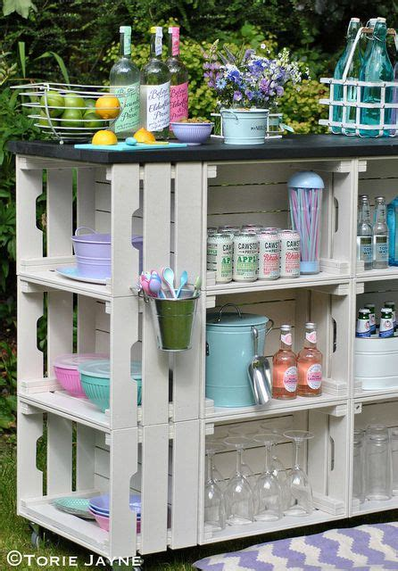 Decorating Ideas With Crates by 25 Ways To Decorate With Wooden Crates