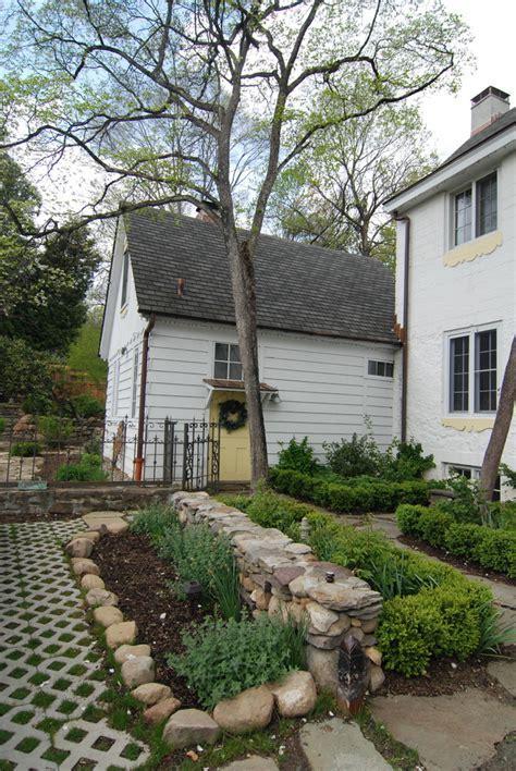Farmhouse driveway landscape farmhouse with stone