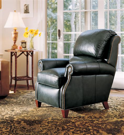 Leather Chairs In Living Room by Living Room Leather Furniture