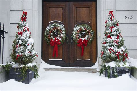 25 Outdoor Christmas Decoration Ideas In Pictures Spray Fixative For Acrylic Painting How To Remove Paint From Skin And Nails Use A Gun Furniture Lime Green Metallic Auto Paints Car With Aerosols Aluminum Window Frames Samples