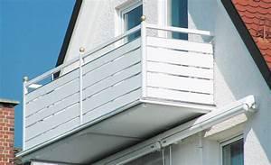 Balkonverkleidung Aus Holz : hochwertige baustoffe balkonverkleidung holz kunststoff ~ Lizthompson.info Haus und Dekorationen