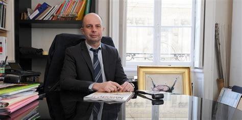 chambre des huissiers de justice de françois pé la loi macron met en grand danger les