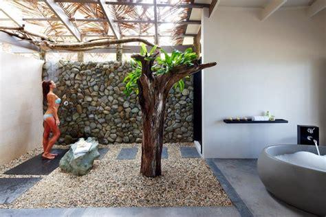 Tropical Shower by Tadrai Island Resort Fiji Accommodation