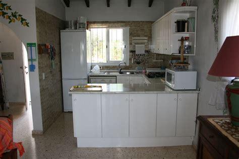 cuisine villa intérieur villa cuisine équipée americaine