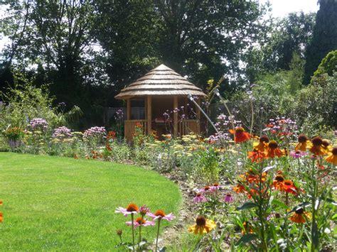 arts  crafts garden