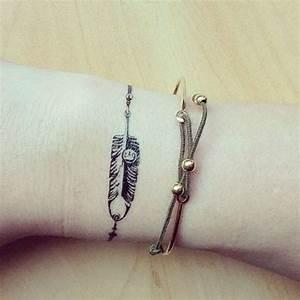 Tattoo Armband Handgelenk : ber ideen zu feder tattoo am handgelenk auf pinterest federtattoos und t towierungen ~ Frokenaadalensverden.com Haus und Dekorationen