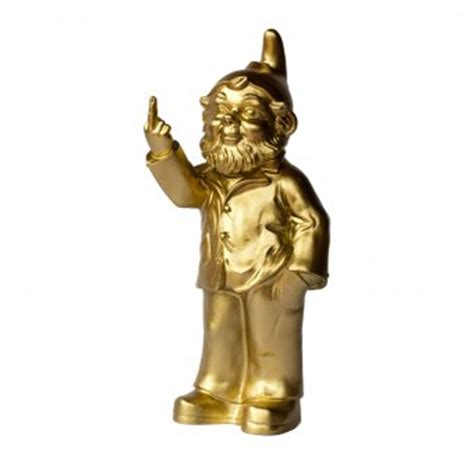 gartenzwerg der mittelfinger zeigt ottmar h 246 rl gartenzwerg sponti gold design3000 de