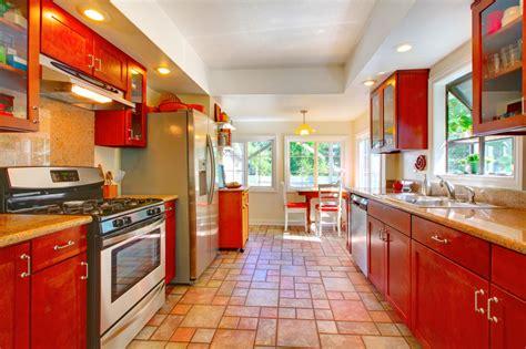 Fliesen Für Küchenboden by K 252 Chenboden Fliesen Preise Und Tipps F 252 R Den Kauf