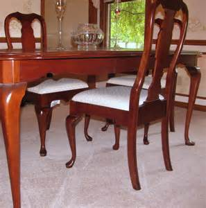Queen Anne Dining Room Sets
