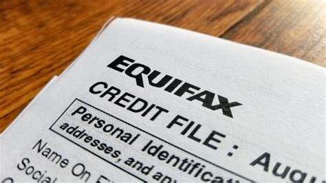What credit cards use equifax. After the Equifax Breach, Does Credit Fraud Monitoring Really Help?   HowStuffWorks