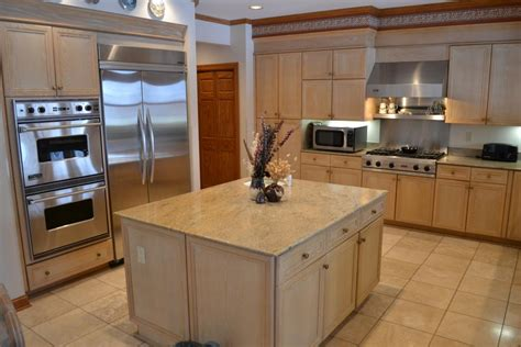 kitchens with light cabinets light wood kitchen cabinets traditional kitchen design
