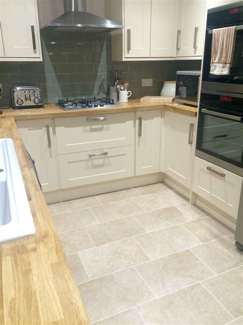 recommended flooring for kitchens burford kitchen from howdens oak worktops 4537