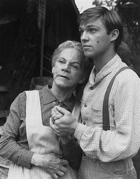 Richard Thomas and Ellen Corby in The Waltons (1971 ...