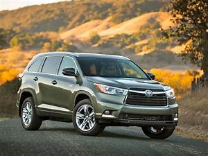 2014 Toyota Highlander Review  Bigger And Better