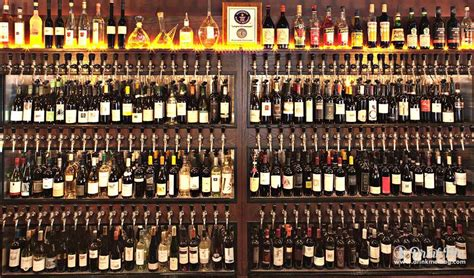 10 Incredible Wine Bars To Check Out In Philadelphia
