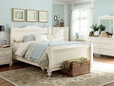 Cottage Bedrooms by Cottage Bedroom Idea Furniture House